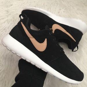 NEW Nike Roshe One Premium Women's Sneakers